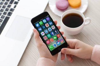 marketingpessoal-marketing-pessoal-celular-usandocelular-usando-celular-